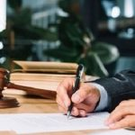 scrivania dell'avvocato di Alessandria